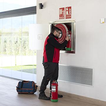 Mantenimiento Ignis Sistemas protección contraincendios revision extintores red hidrantes Rociadores y señalizacion